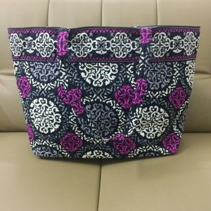NWOT Vera Bradley Holiday Tote Canterberry Magenta